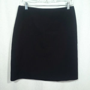 Ann Taylor skirt Size 8 Black pencil skirt Stretch